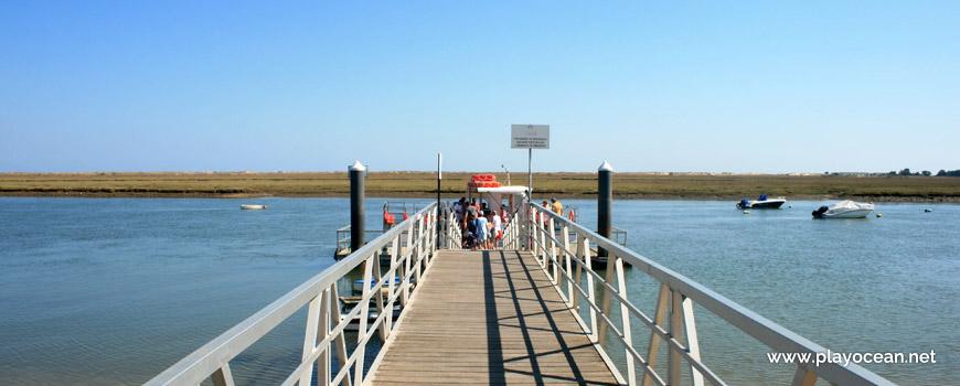 Ponte na Praia da Terra Estreita