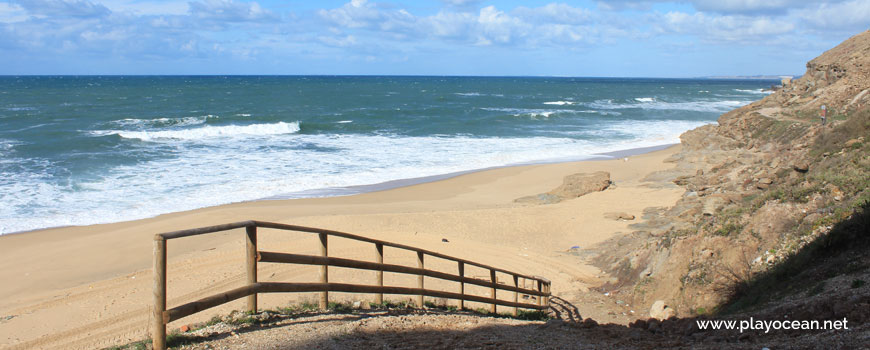 Corrimão na Praia das Amoeiras