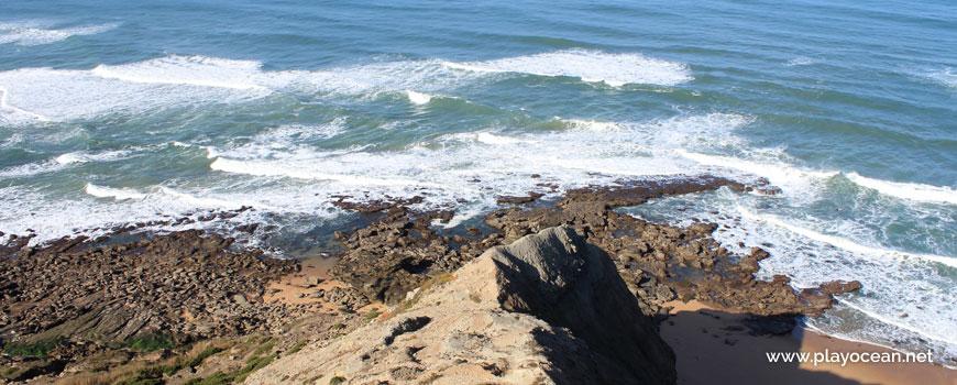 Cliff tip, Praia de Cambelas Beach