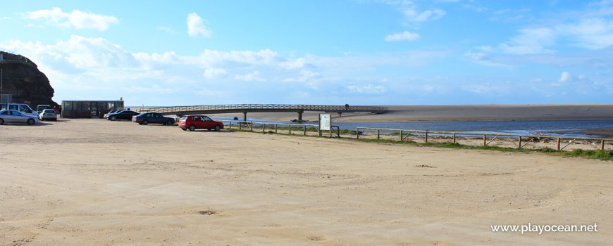 Estacionamento na Praia da Foz do Sizandro