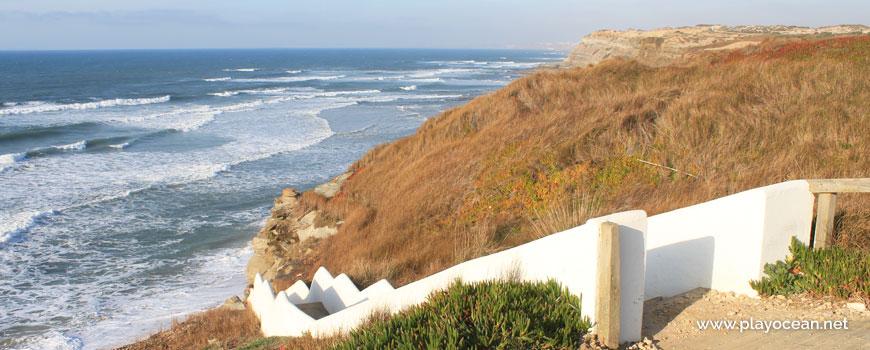 Escadaria na Praia da Mexilhoeira