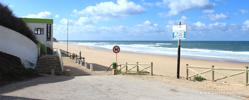 Entrance of Praia do Mirante Beach