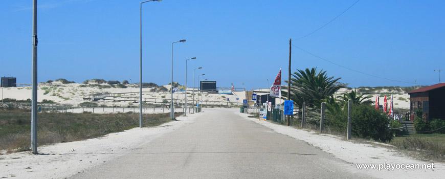 Estrada para a Praia do Areão