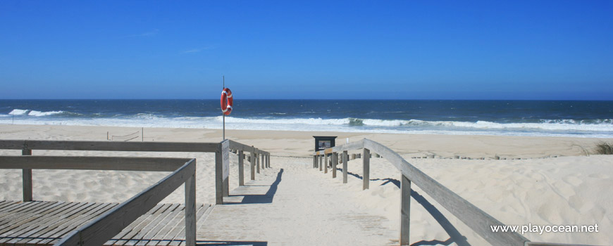Entrada da Praia do Areão