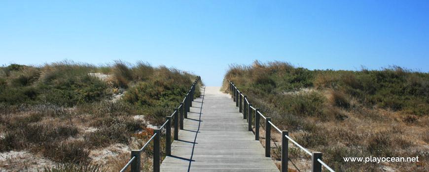 Access to Praia de Carreço Beach