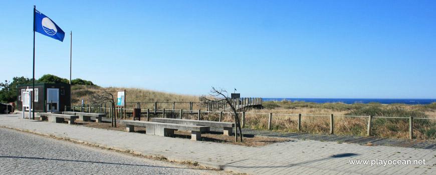 Entrance to Praia de Castelo do Neiva Beach