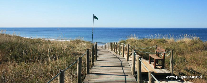 Access to Praia de Castelo do Neiva Beach