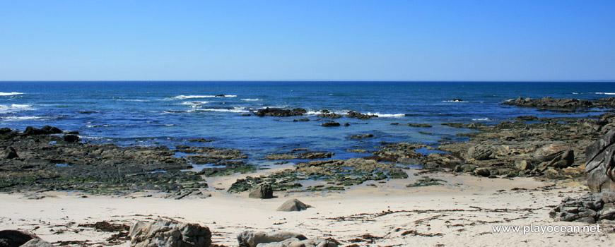 Mar na Praia de Fornelos e Promontório de Montedor