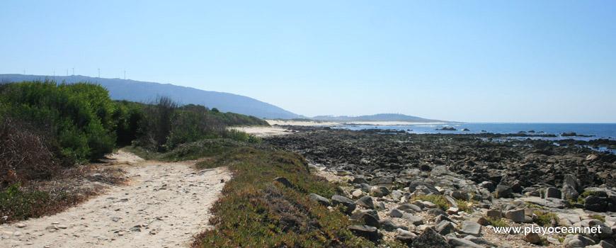 South at Praia da Gelfa Beach