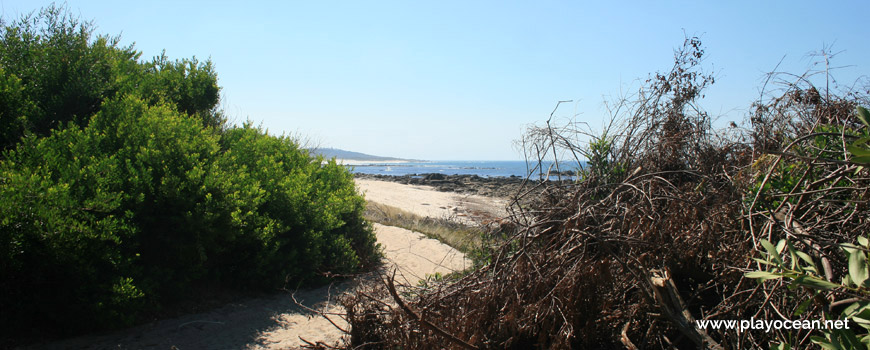 Access to Praia da Gelfa Beach