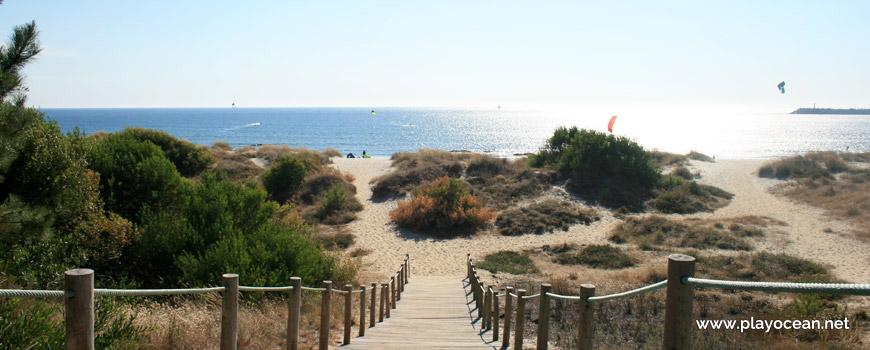 Access to Praia de Luzia Mar Beach