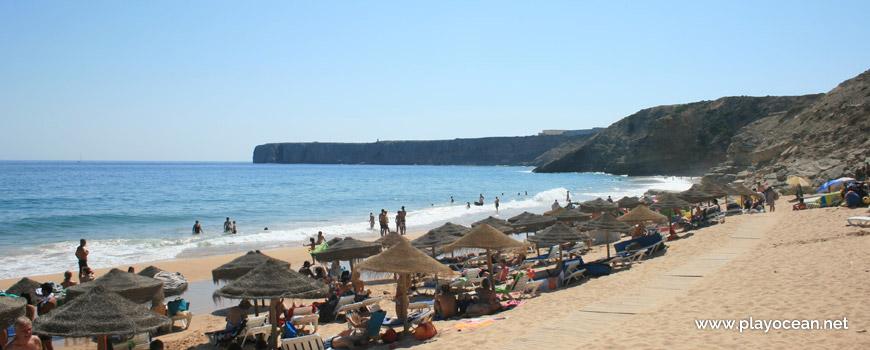 Aluguer de camas na Praia da Mareta