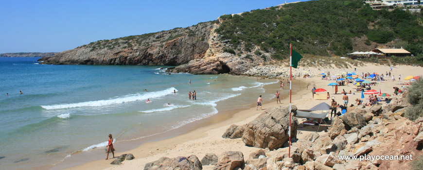 Green Flag, Praia do Zavial Beach