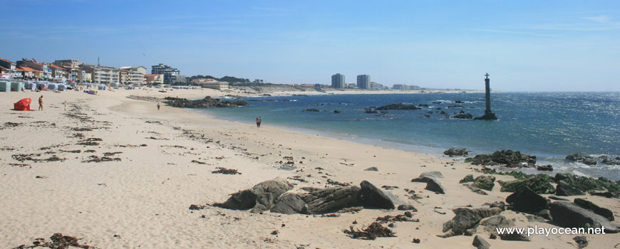 South of Praia dos Barcos Beach