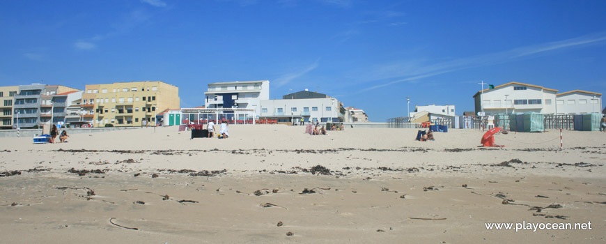 Houses at Praia dos Barcos Beach