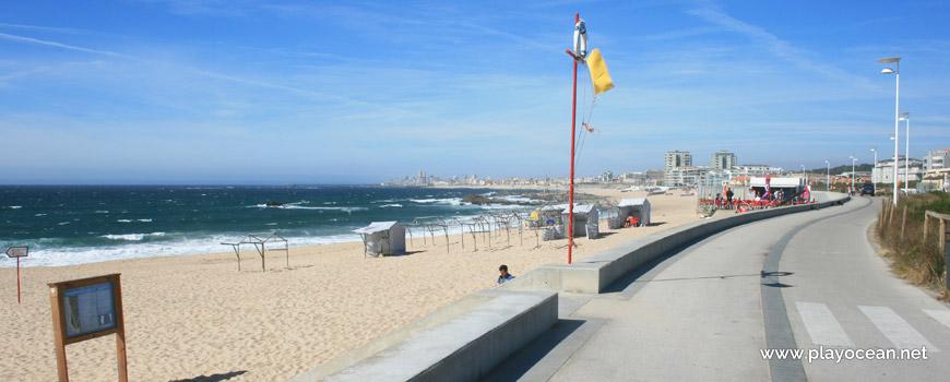 North of Praia da Ladeira Beach