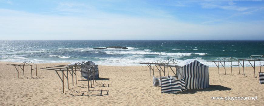 Barracas na Praia da Ladeira