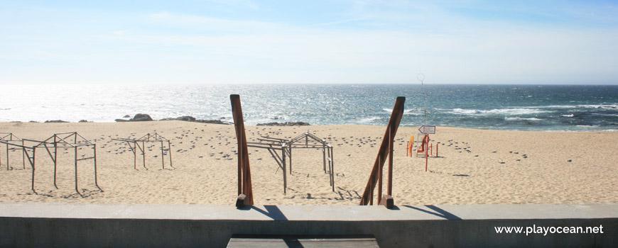 Entrada para a Praia da Ladeira