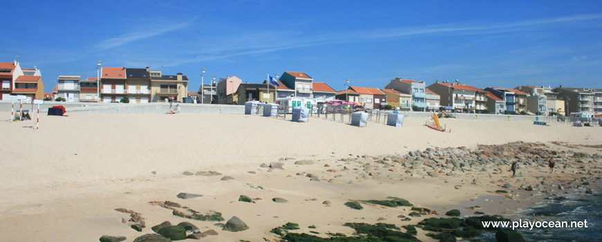 Houses at Praia de Luzimar Beach