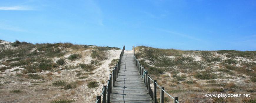 Passadiço na Praia de Mindelo (Sul)