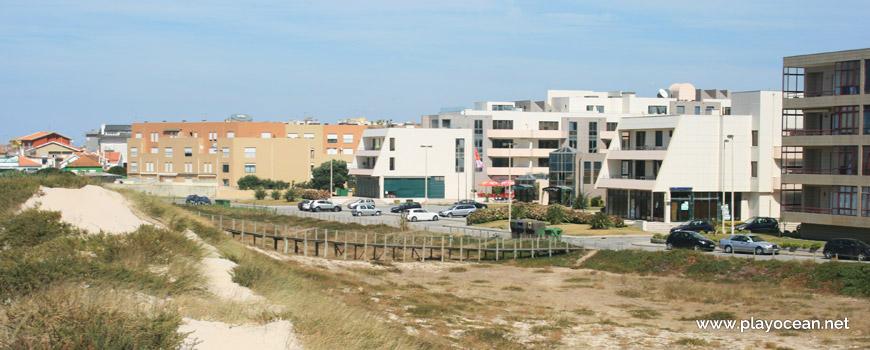 Estacionamento da Praia de Mindelo (Sul)