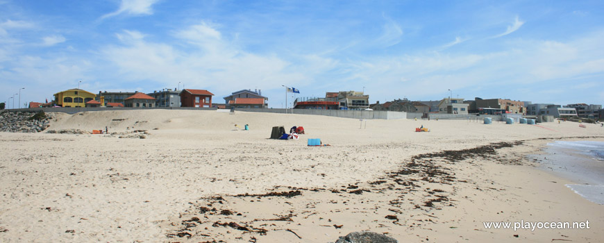 Casas junto à Praia de Mindelo