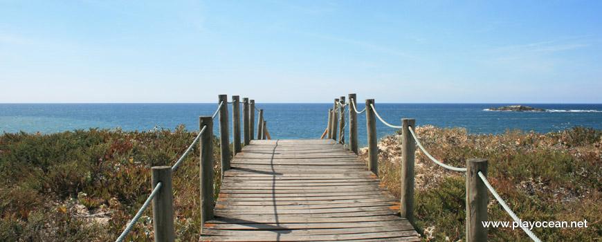Walkway at Praia do Pinhal dos Eléctricos Beach