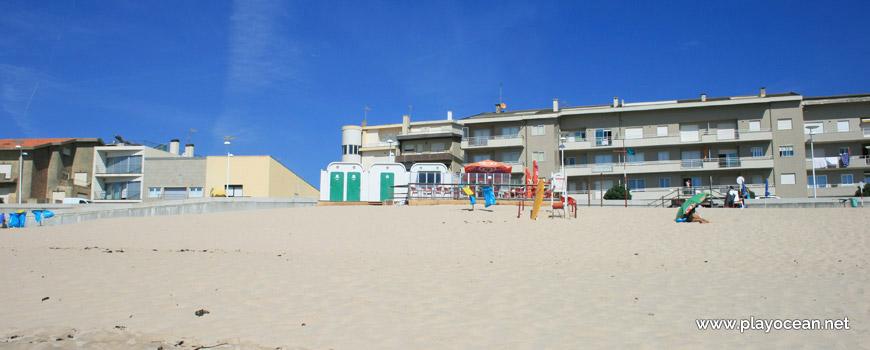 Casas junto à Praia do Pôr do Sol