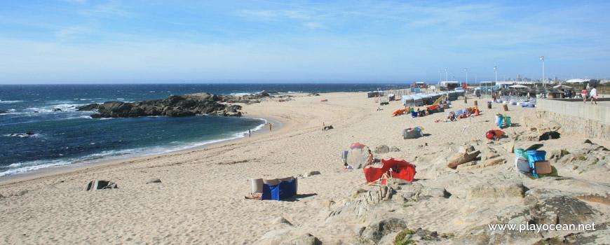 North at Praia do Seca Beach