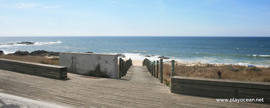 Access to Praia da Terra Nova Beach