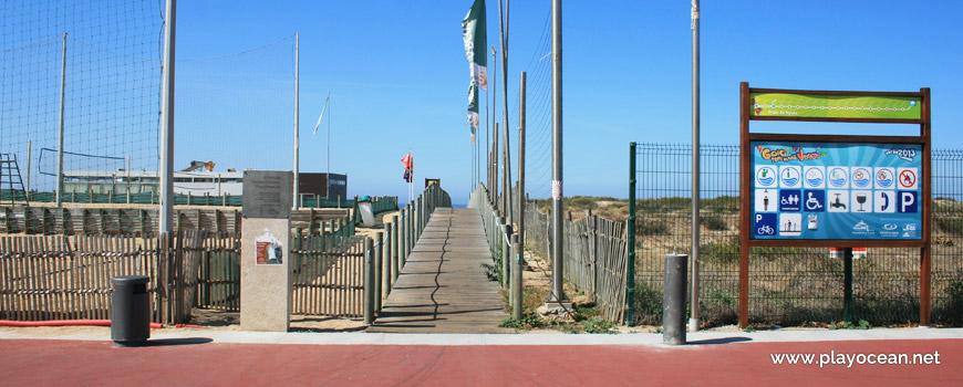 Entrada, Praia da Aguda