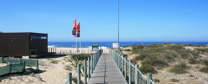 Access to Praia da Aguda Beach