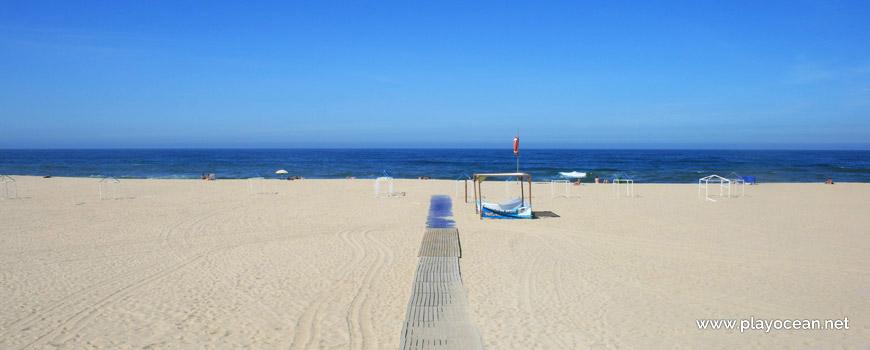West at Praia da Aguda Beach