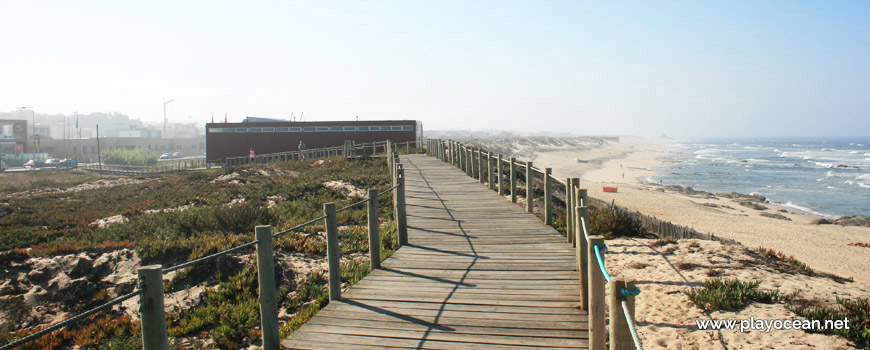 Walkway at Praia do Atlântico Beach