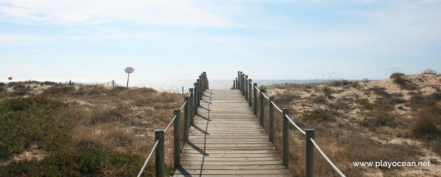 Acesso à Praia da Estrela do Mar
