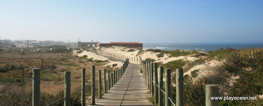 Walkway at Praia de Francelos Beach
