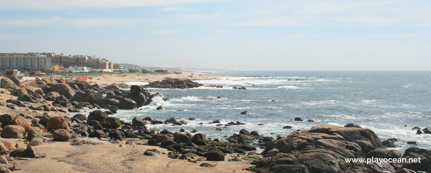 South of Praia de Lavadores Beach