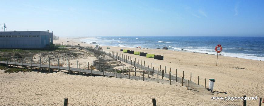South of Praia de Mar e Sol Beach