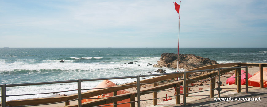 Access to Praia das Pedras Amarelas Beach