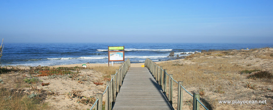 Access to Praia de Valadares (North) Beach