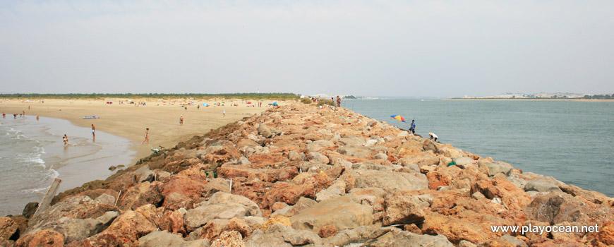 Pontão na Praia da Ponta da Areia