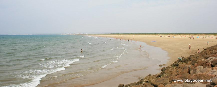 West at Praia da Ponta da Areia Beach